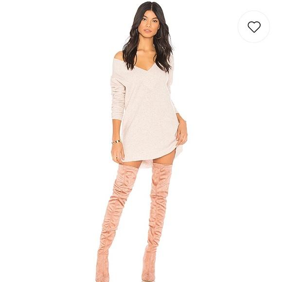 f75558e372 Revolve X Chrissy Teigen Sweater dress. M 5b7b51b681bbc8028be4ec96
